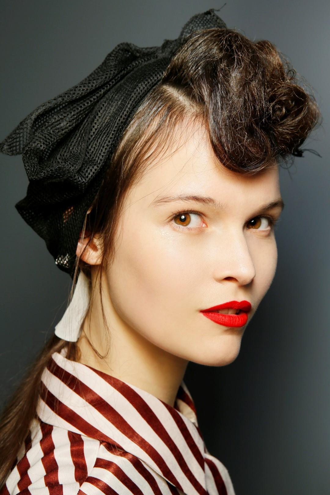 Scegliere il rossetto: consigli e proposte per vestire anche le labbra