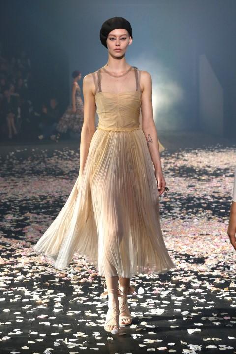 La sfilata di Christian Dior a Parigi