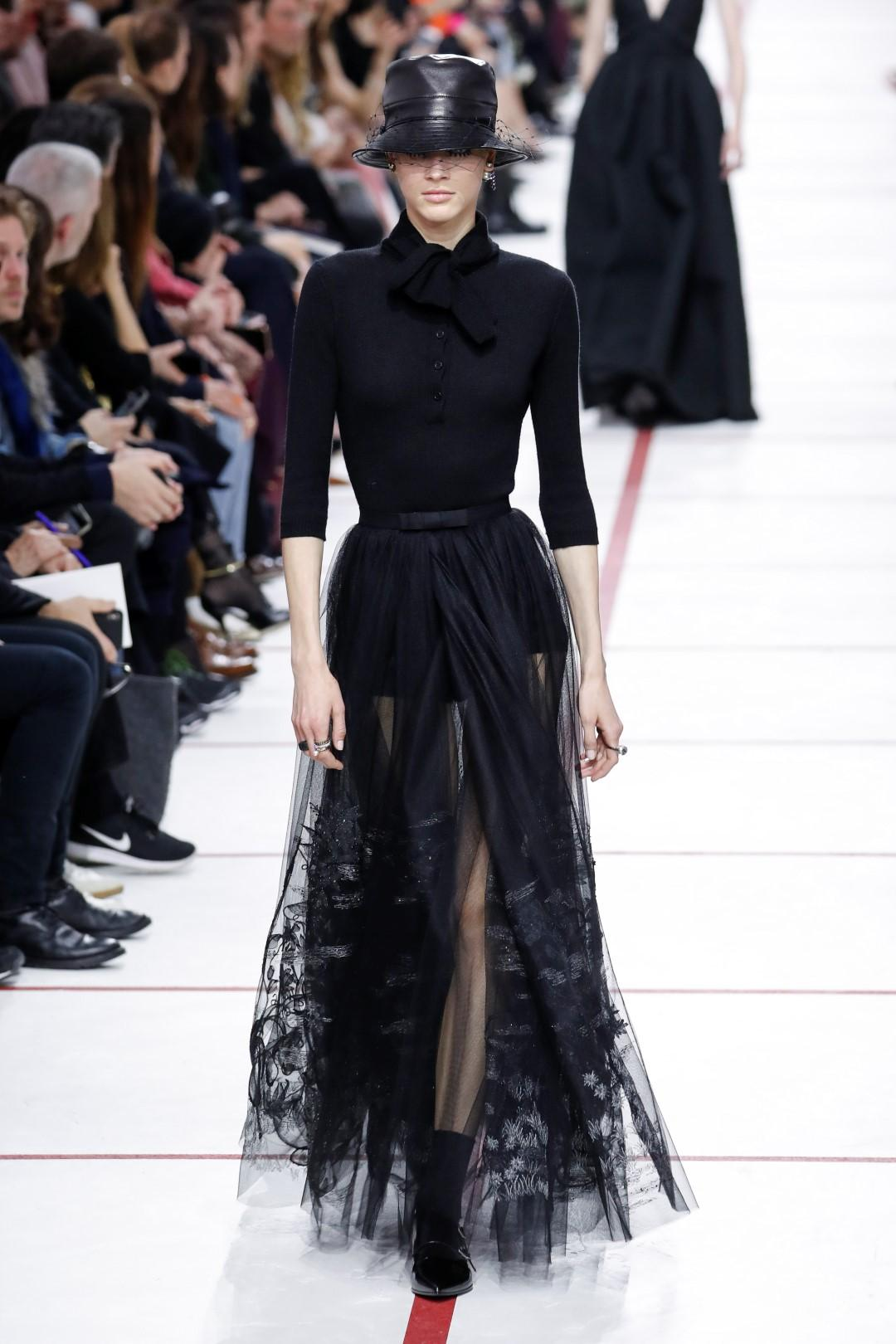 Christian Dior, da Parigi una 'petit garçon' oltre gli