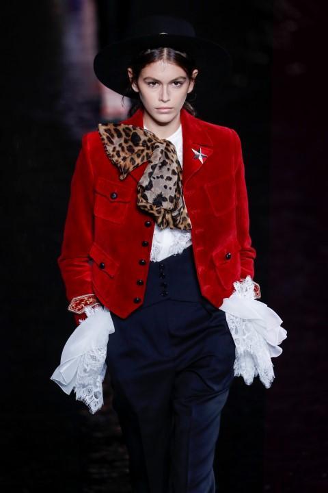 Parigi, ecco la donna di Yves Saint-Laurent