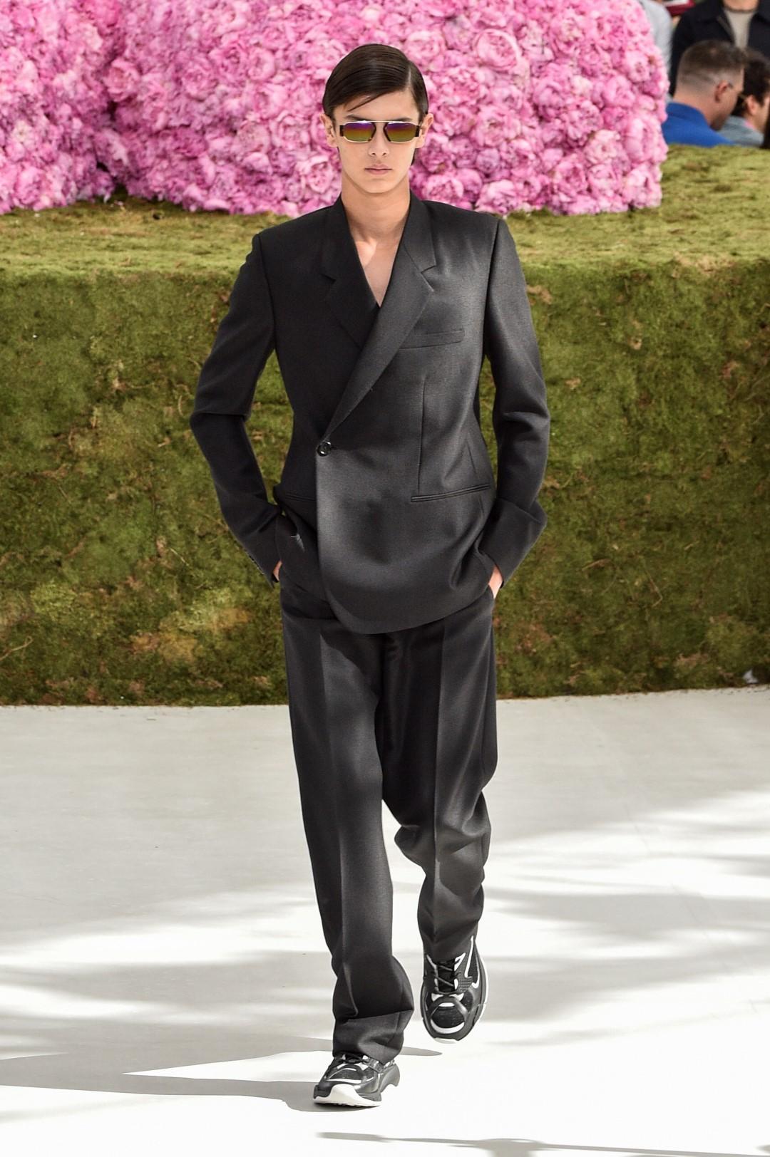 Uomo, amato nero: come vestirvi se stravedete per il 'total black'