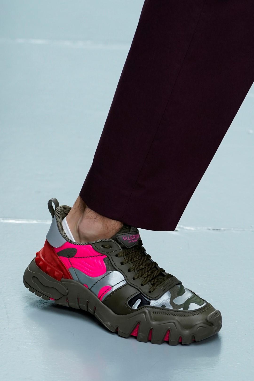 Uomo, ecco le sneakers che avremo ai piedi la prossima estate