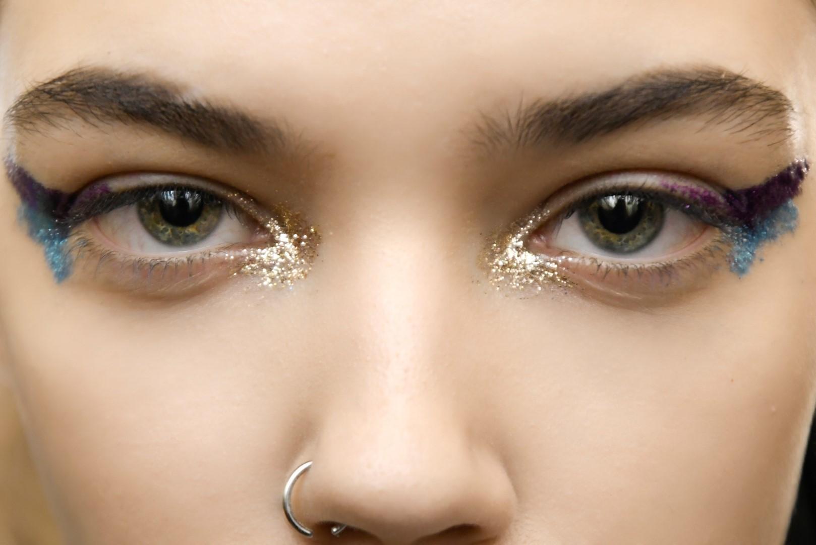 Make up në fund të vitit: pamja ndizet