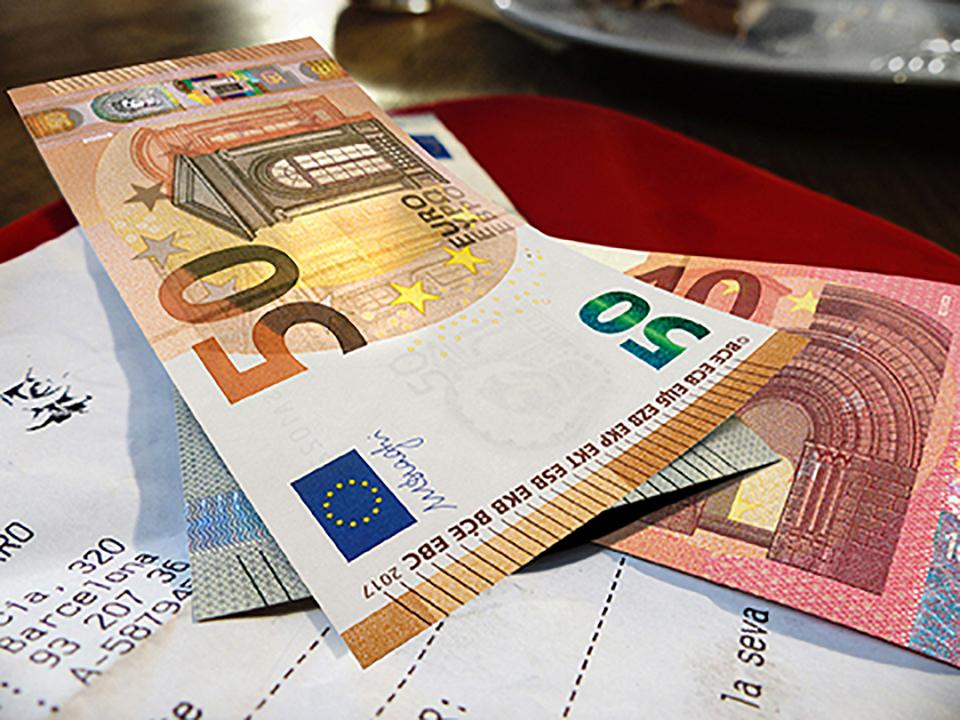 2755489cce La Bce presenta la nuova banconota da 50 euro: circolerà dal 4 aprile del  2017 - Tgcom24