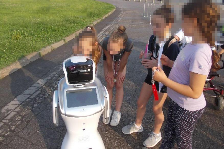 Robot Sanbot, intelligenza artificiale in un asilo nido
