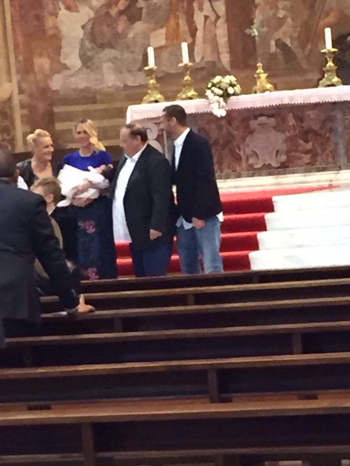 Francesco Totti e Ilary Blasi, ecco il battesimo di Isabel