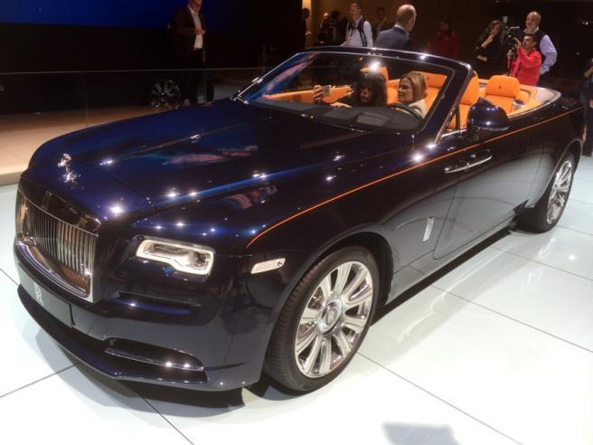 Rolls-Royce Dawn, la super cabrio
