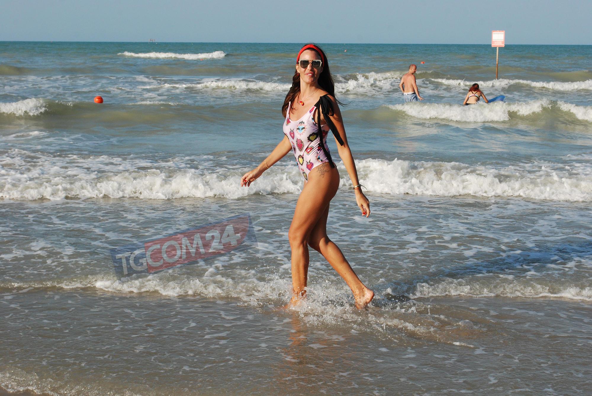 Alessia Fabiani, mamma che sexy!