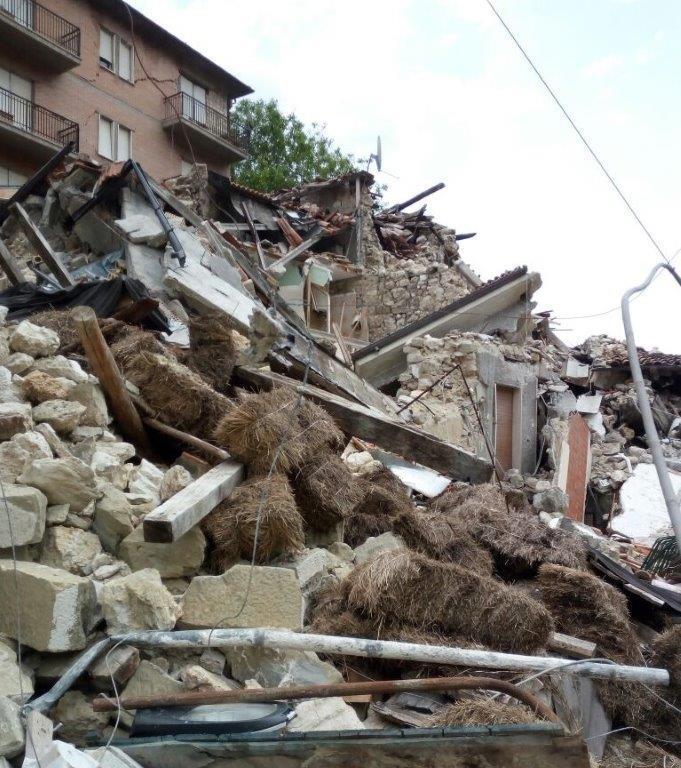 Terremoto, le macerie su cui vanno pagate le tasse