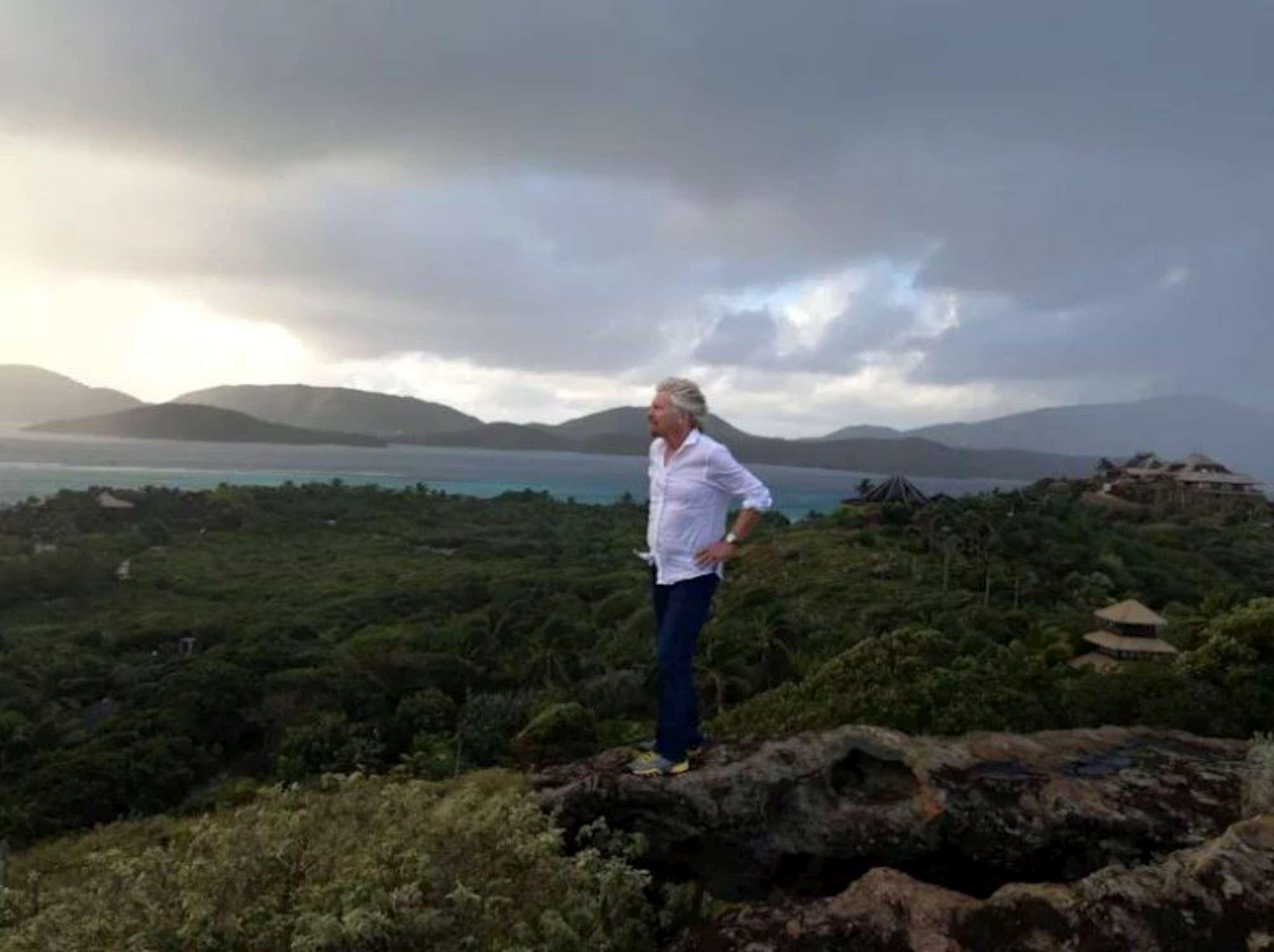 Irma, il miliardario Richard Branson barricato sulla sua isola privata ai Caraibi