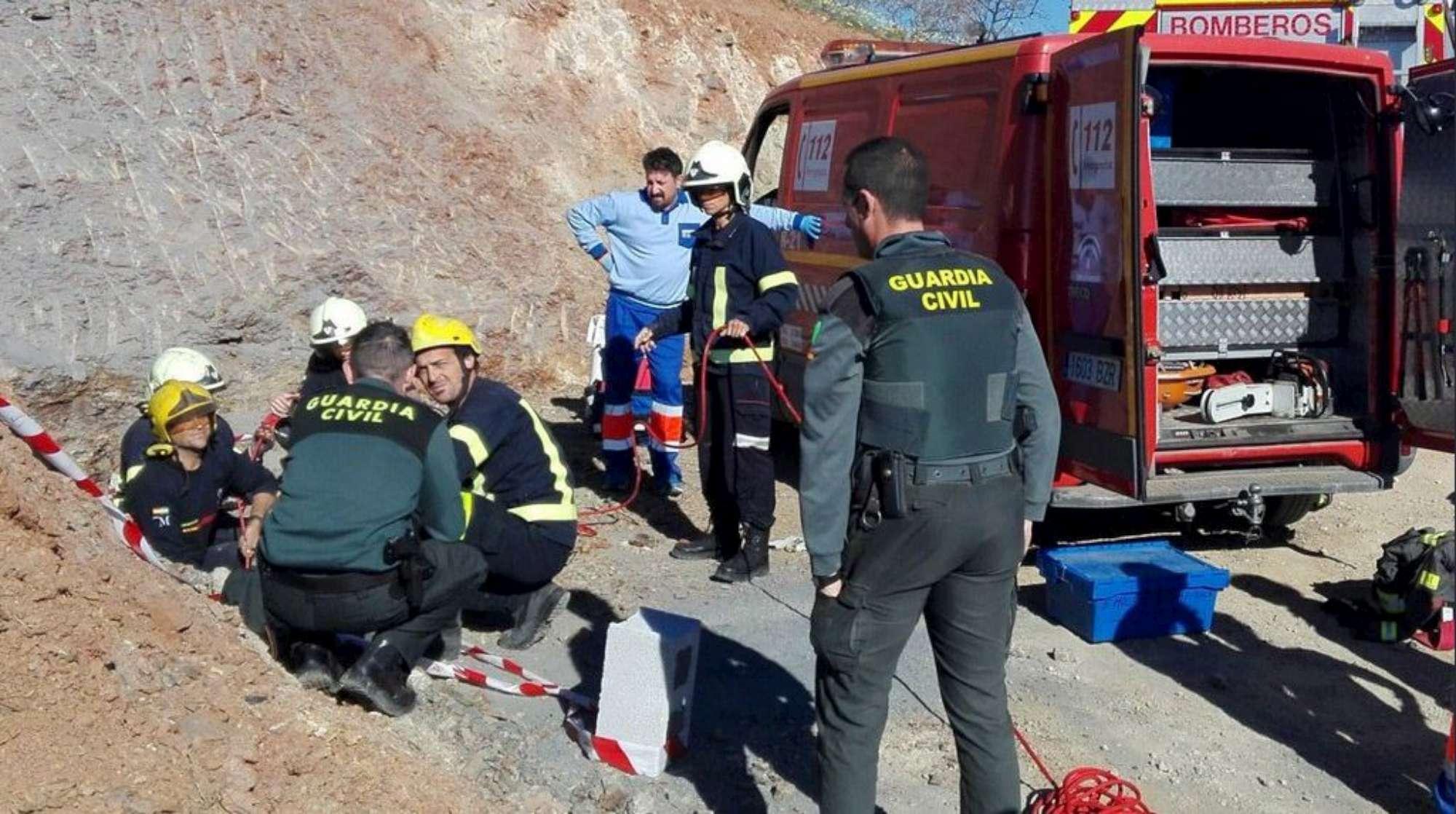 Spagna, bimbo di due anni cade in un pozzo: lotta contro il tempo per salvarlo