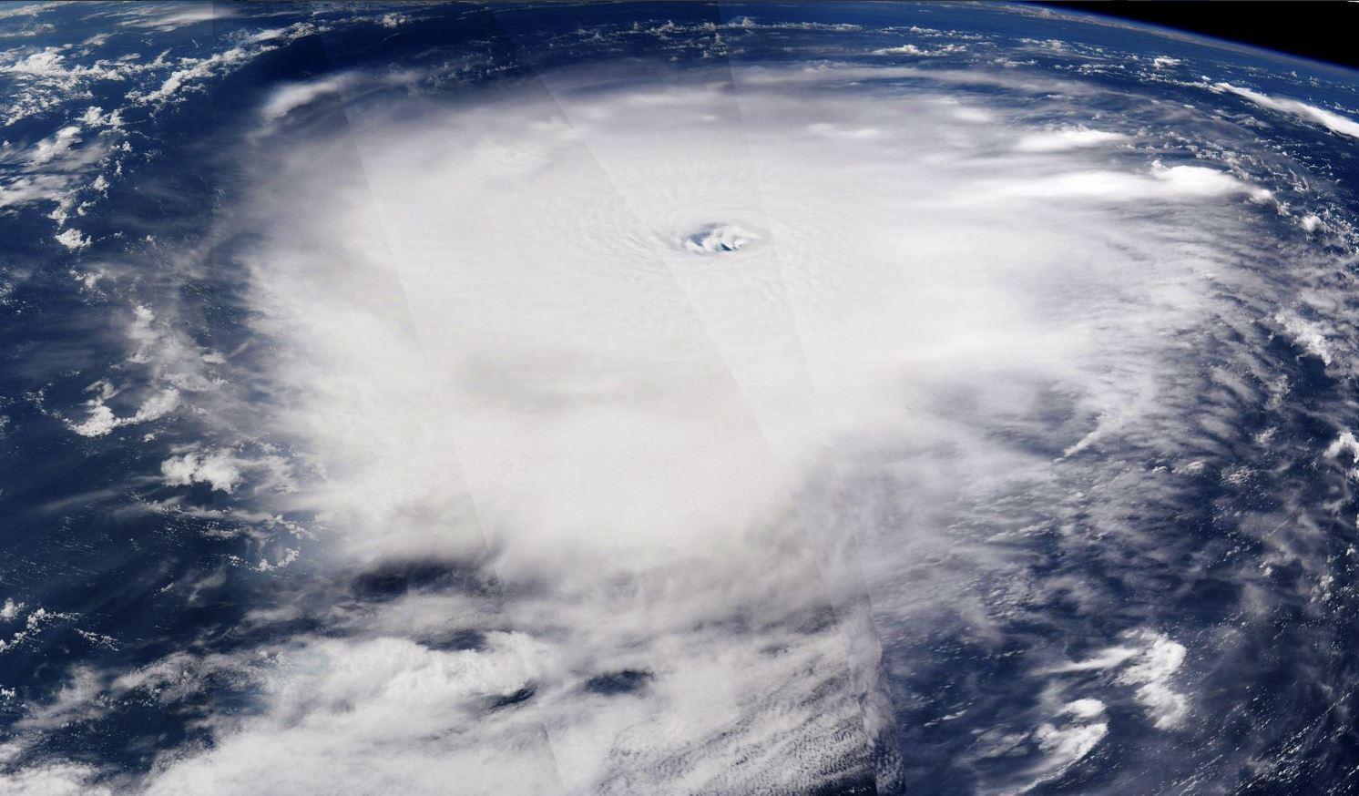 Irma, l astronauta Paolo Nespoli fotografa l uragano dallo spazio
