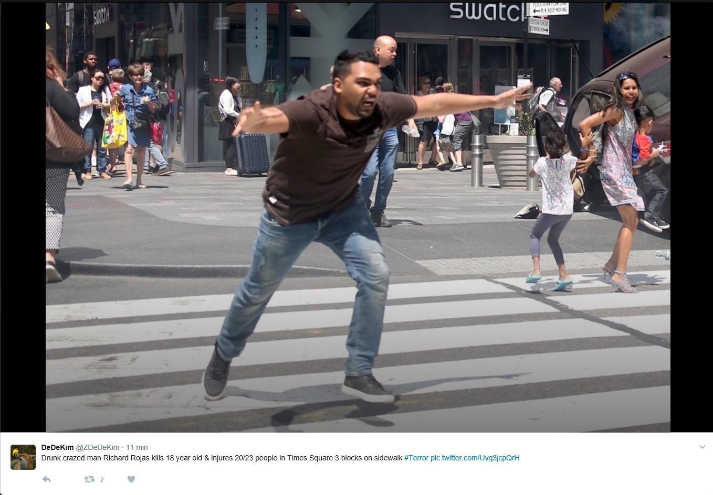 Su Twitter le immagini dell arresto di Richard Rojas