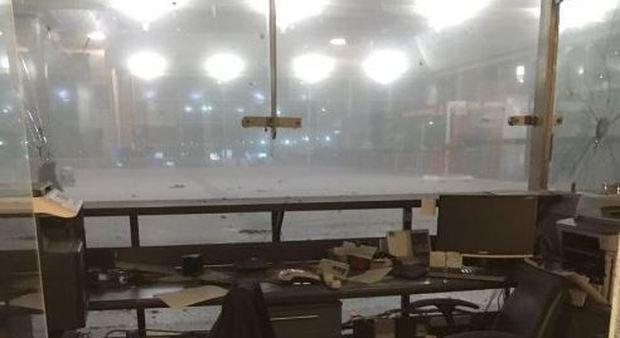 Istanbul, attacco kamikaze all'aeroporto: morti e feriti all'aeroporto
