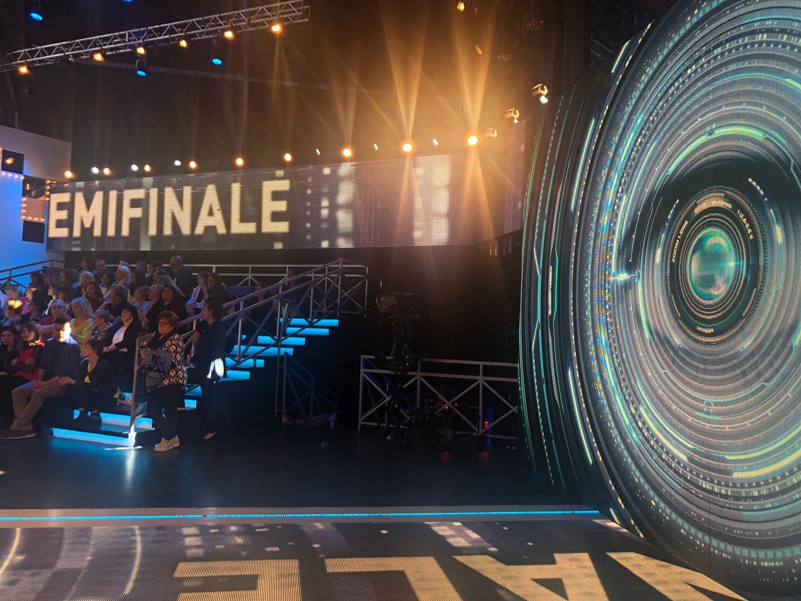 Grande Fratello 16 , tutte le foto del backstage della semifinale