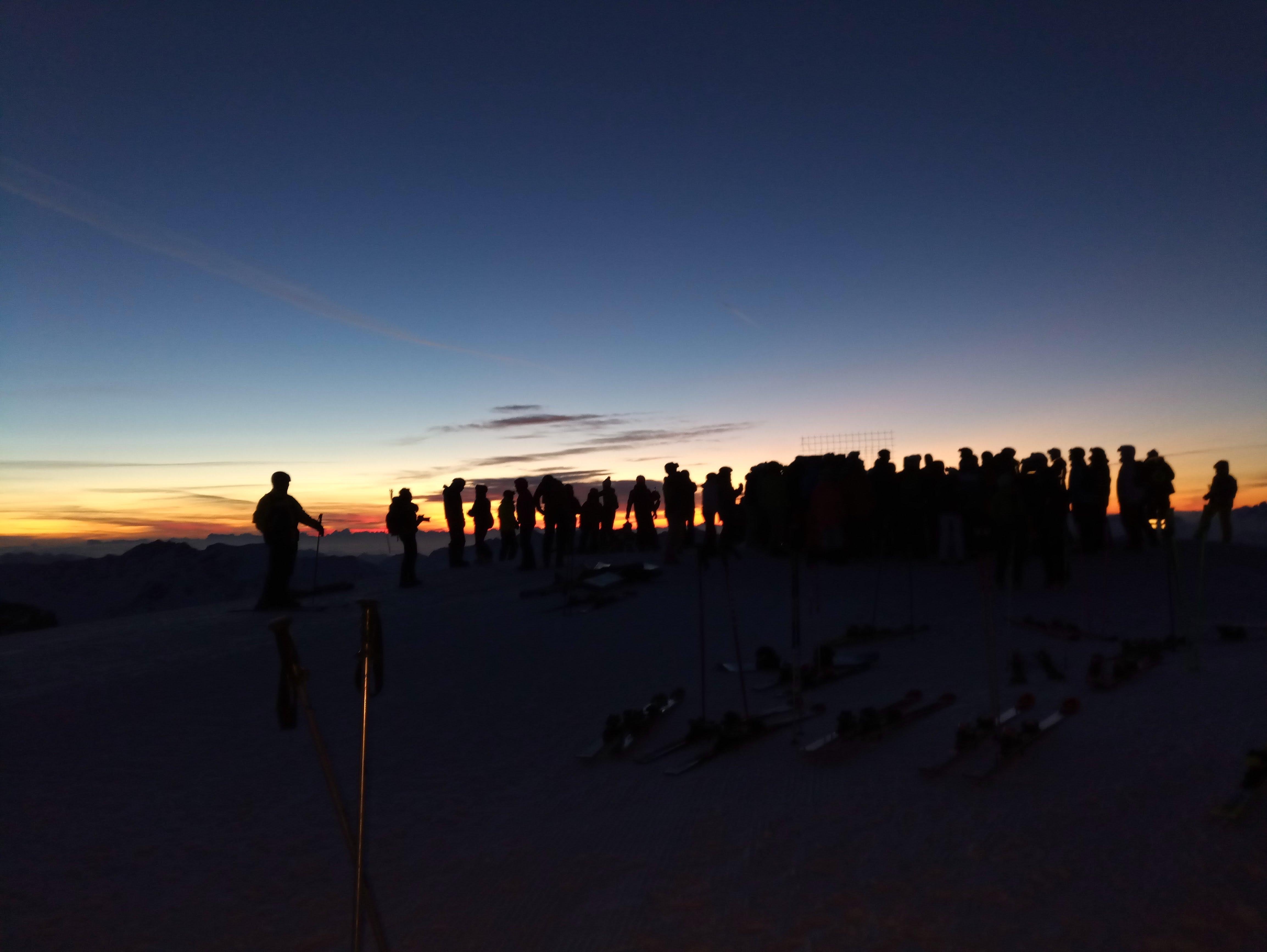 Trentino: sugli sci ad attendere l aurora sulle Alpi