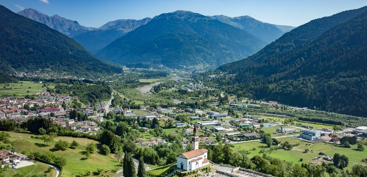 Friuli: tutti a tagliare il fieno, come una volta
