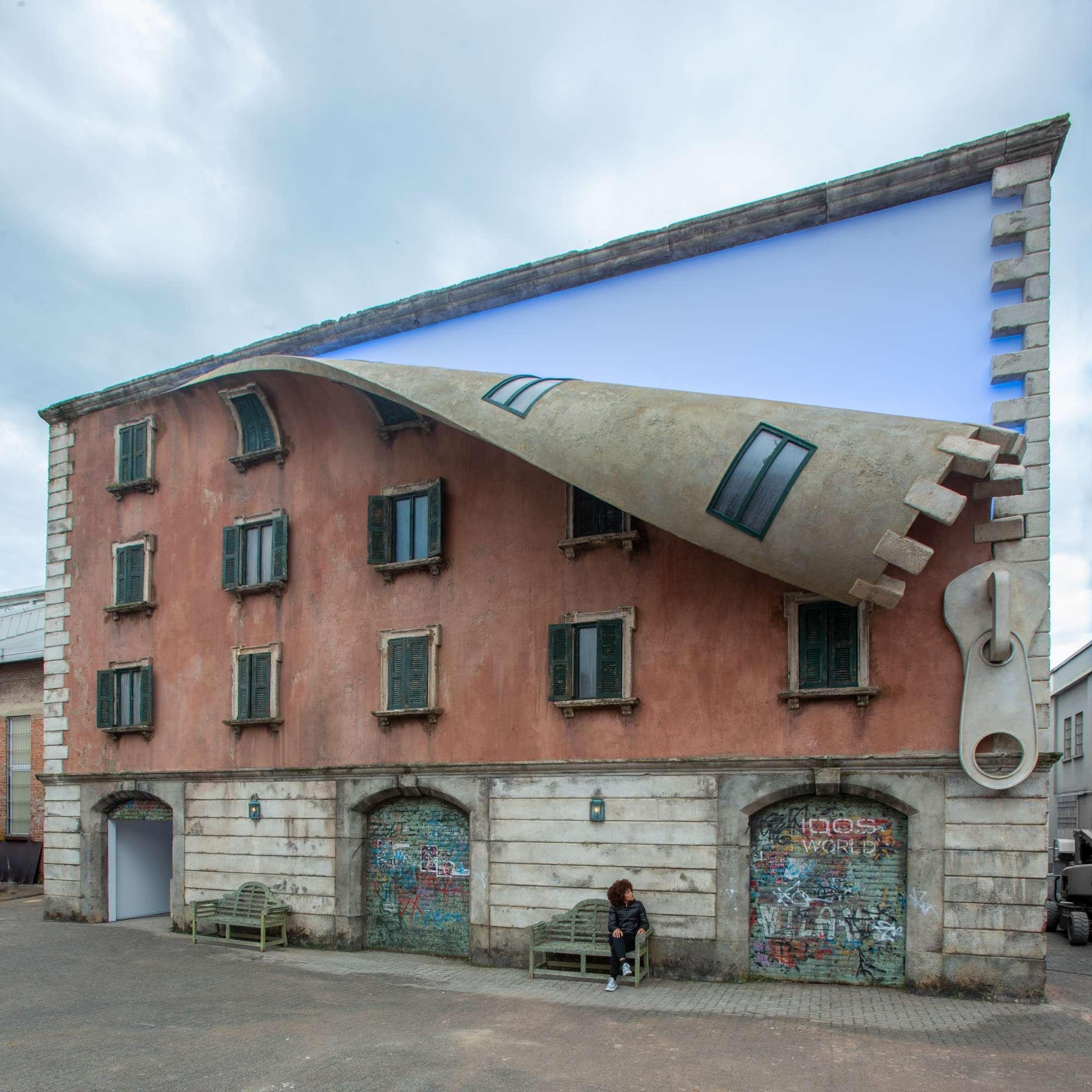 Fuorisalone, in Tortona il palazzo si apre con la cerniera