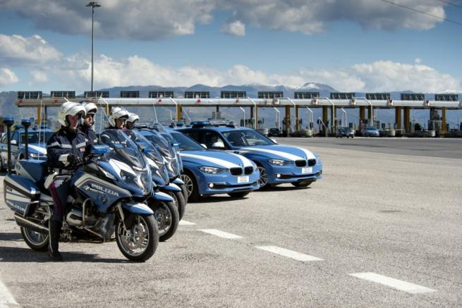 Auto e moto BMW per la Polizia di Stato