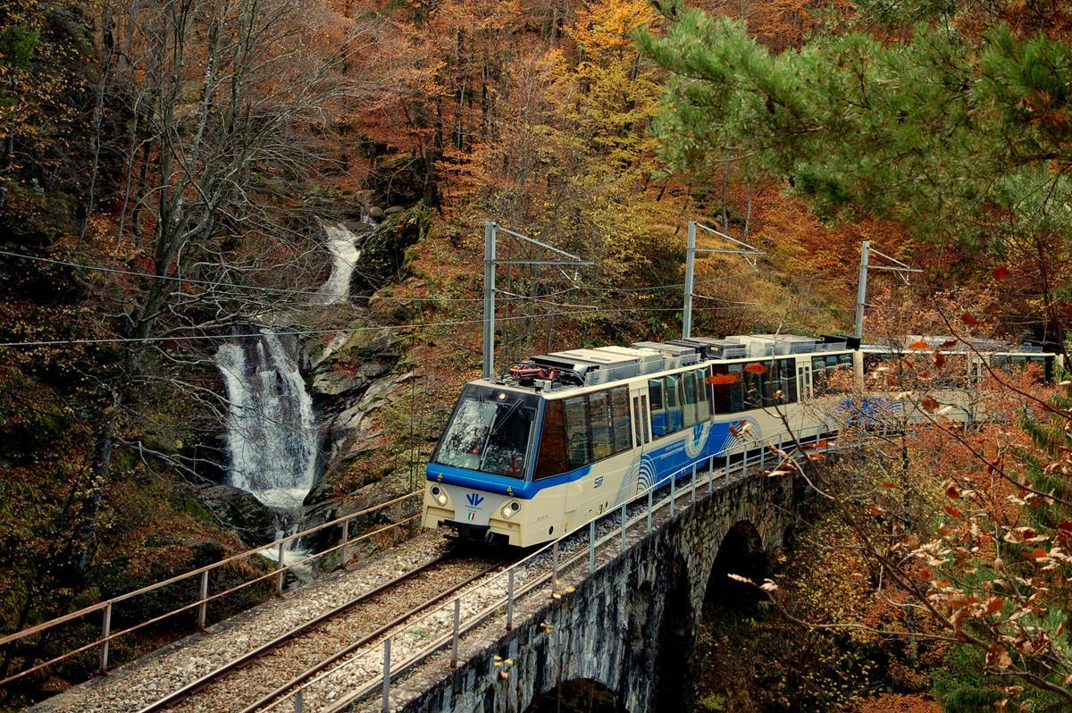 Domodossola  torna il treno del foliage - Tgcom24 9328100481