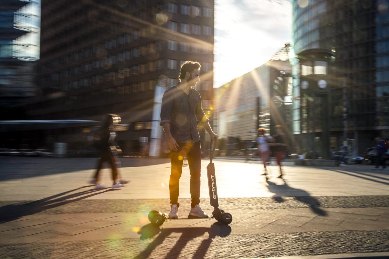 Ecco su strada l'e-tron scooter