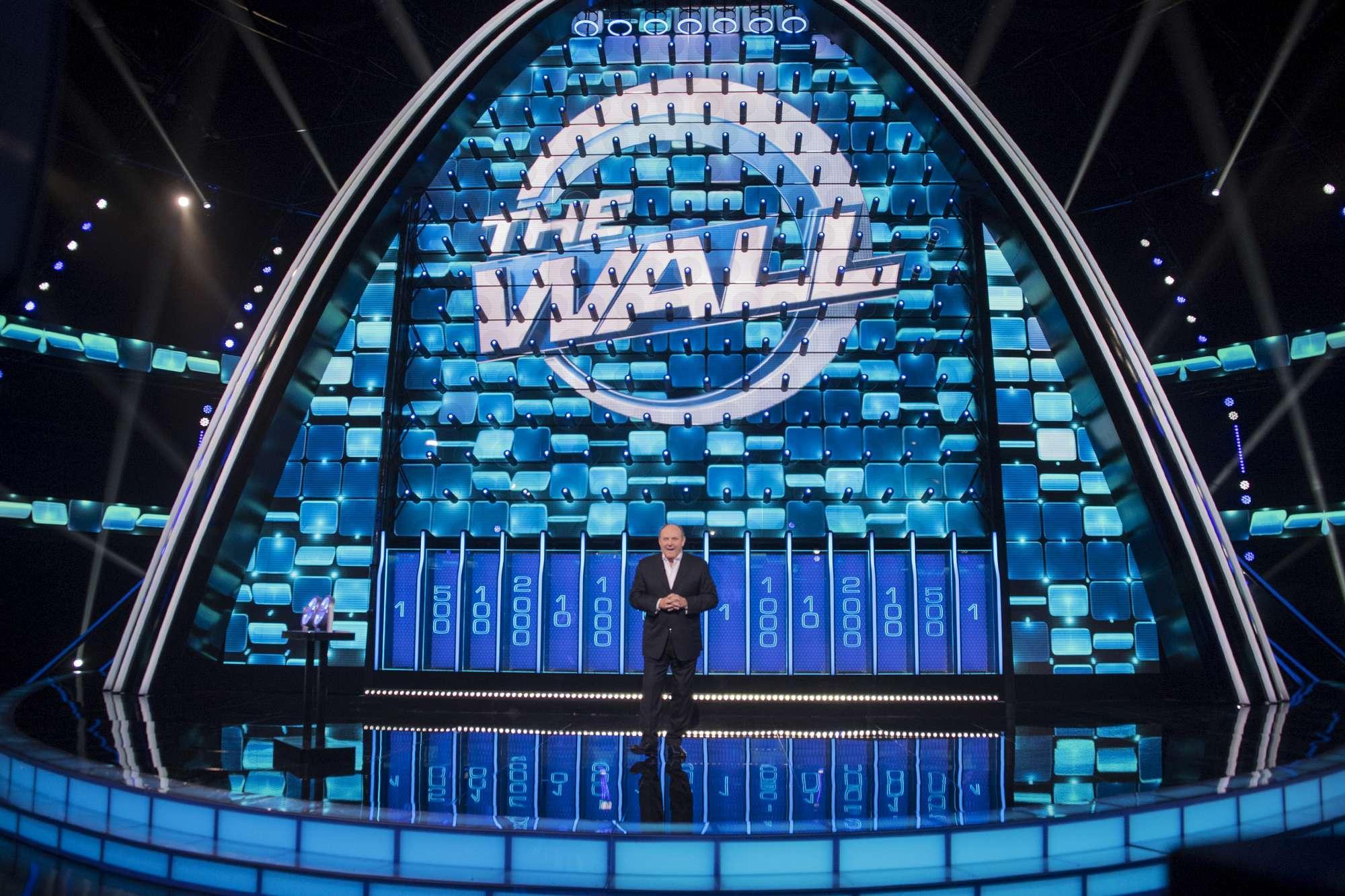 Gerry Scotti conduce  The Wall