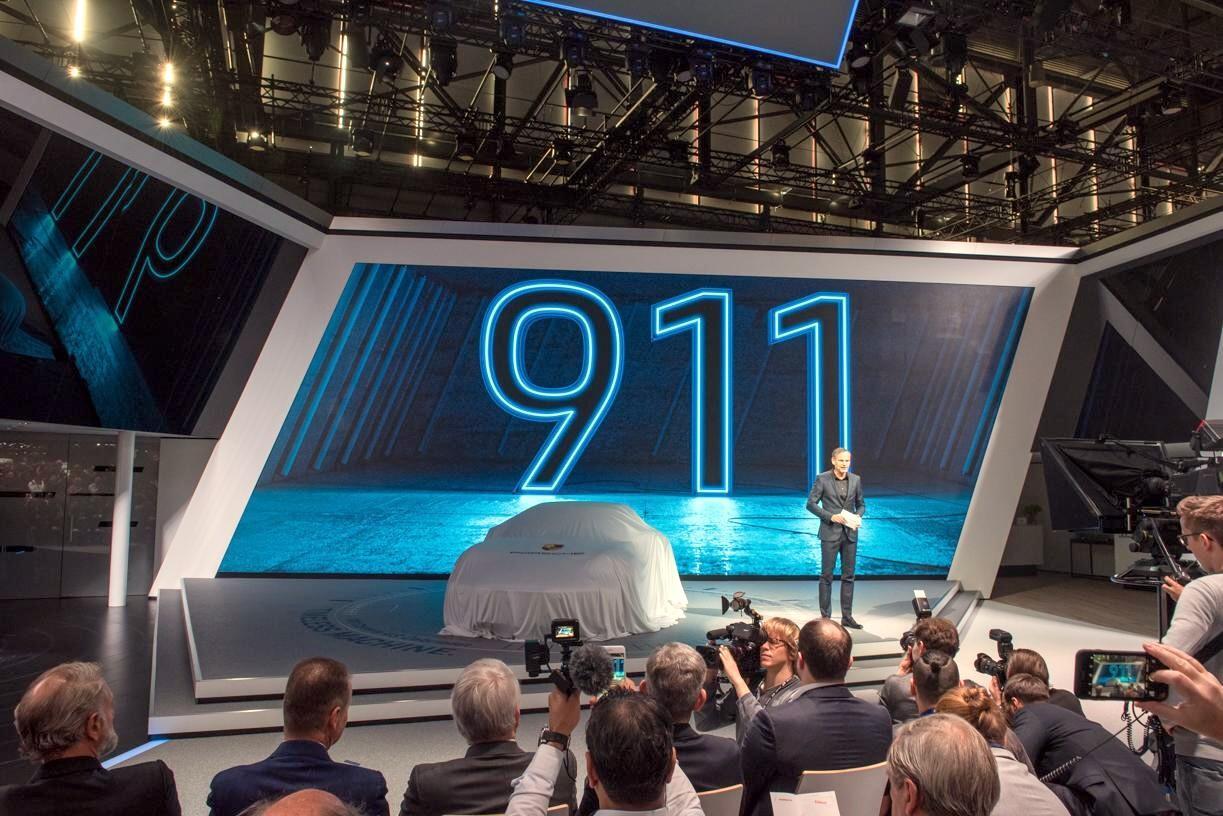 Nuova 911 Cabriolet, look da regina