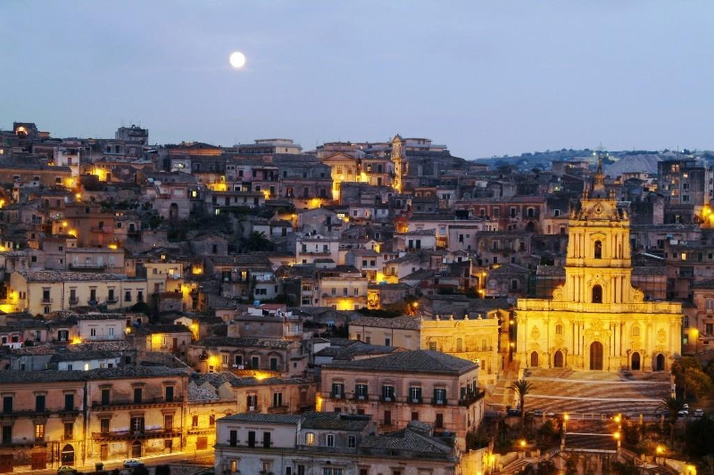 Sicilia mitica, tra antichi vini e sublime Barocco