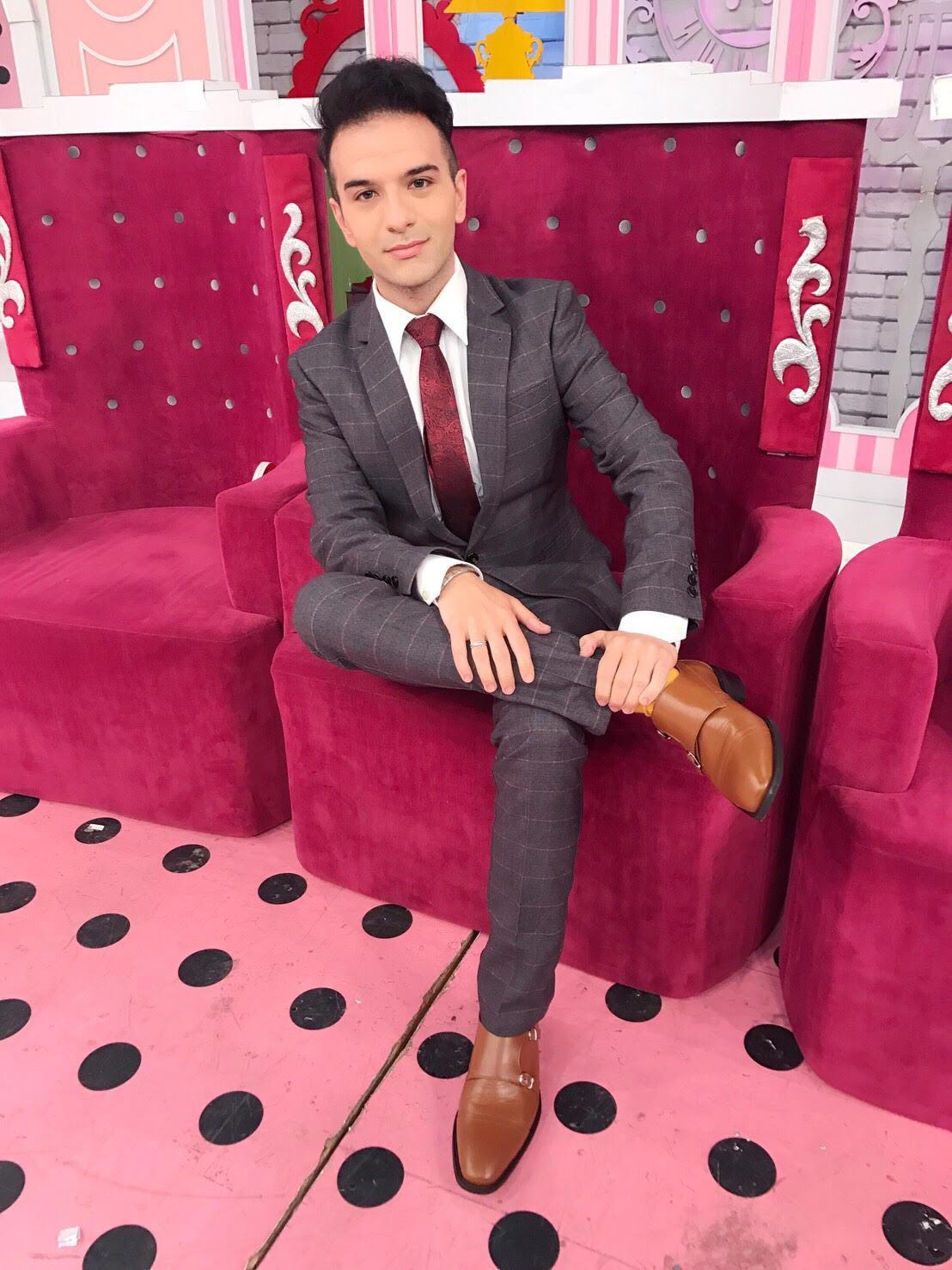 Riccardo Moratto, da vittima dei bulli a presentatore tv in Cina