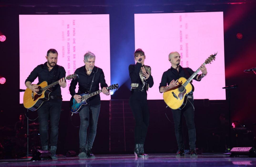 Alessandra Amoroso, il sold out al Pala Alpitour di Torino ha inaugurato il tour