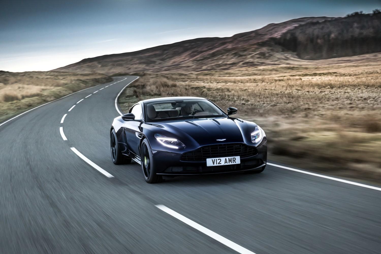 Nuova Aston Martin DB11 AMR