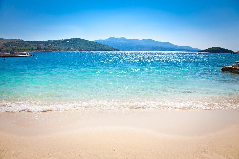 Albania trendy, tra storia, movida e spiagge caraibiche