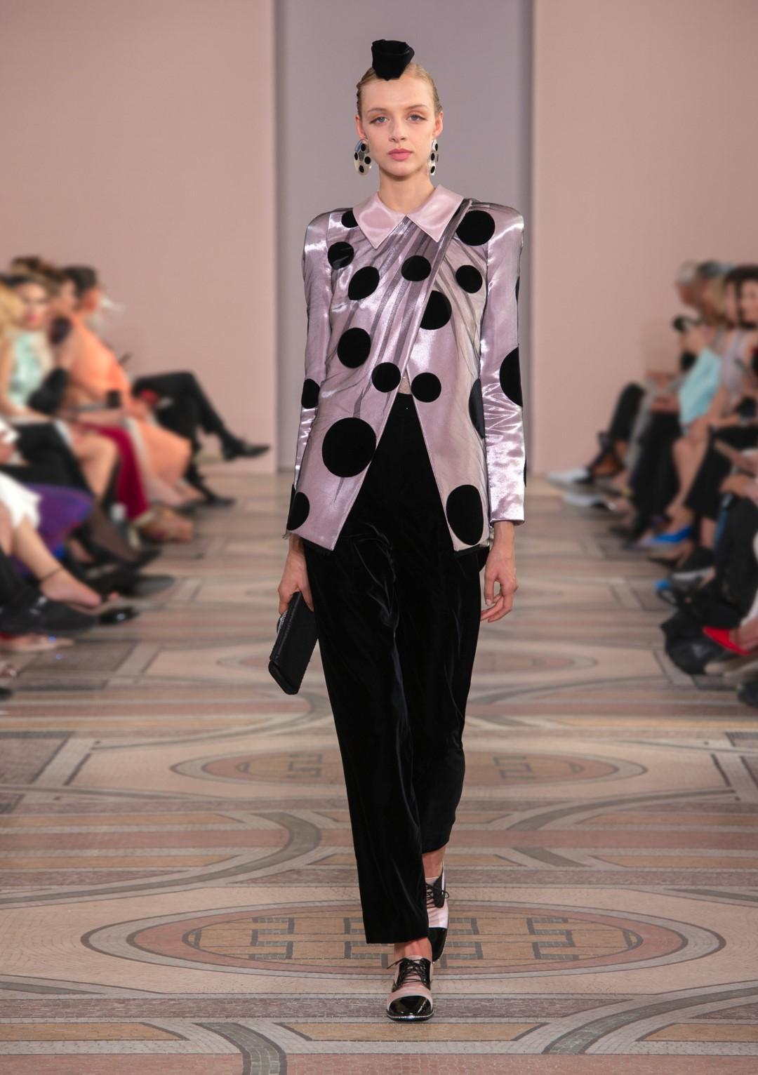Moda: abiti di luce per Armani, la donna 'intellettuale' di Chanel