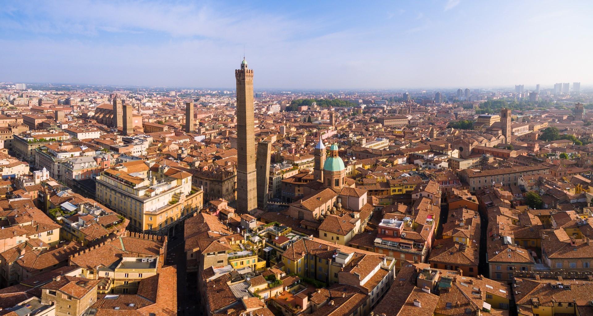 Bologna: al via il tea party più lungo del mondo