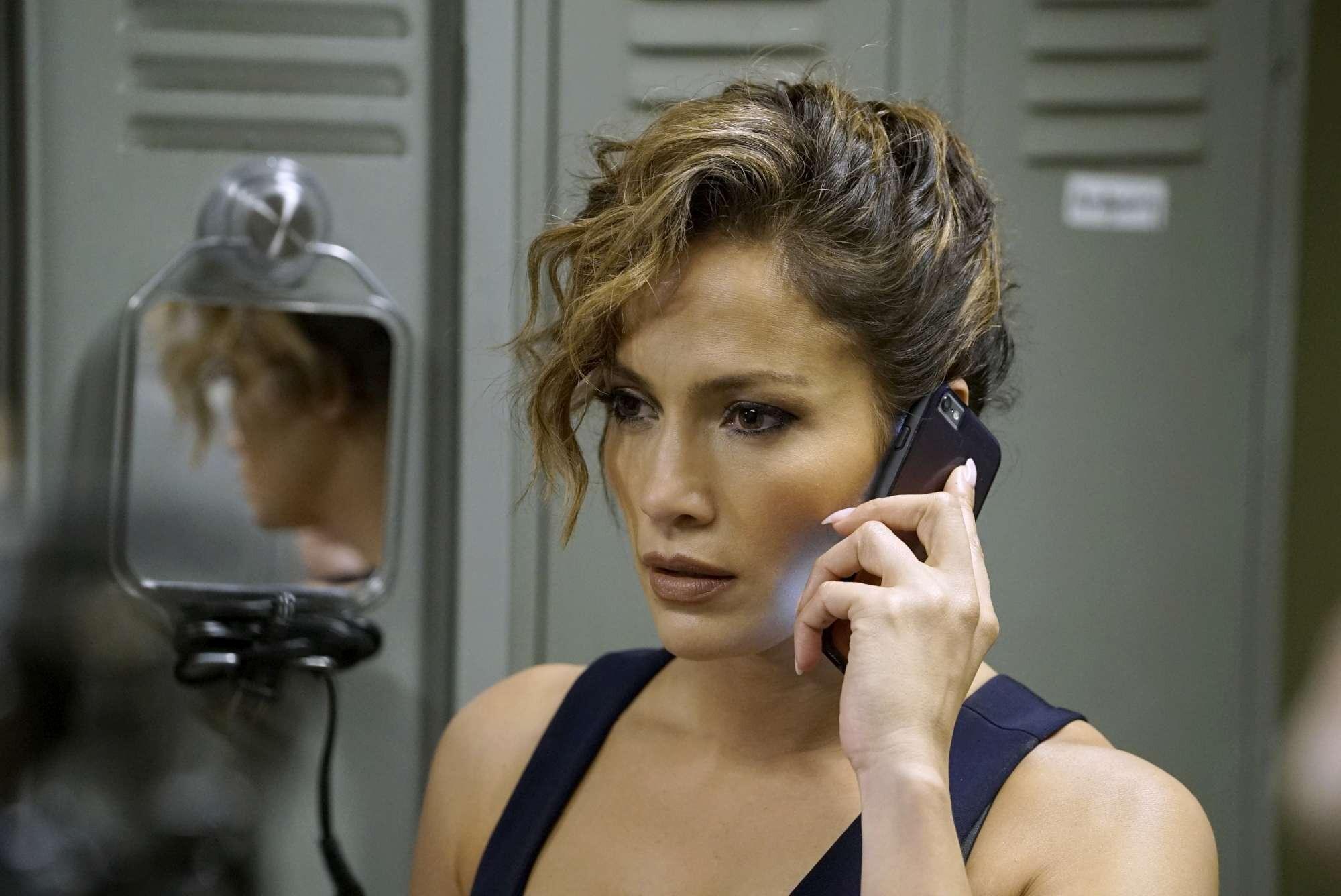 Shades of Blue , Jennifer Lopez in lotta tra bene e male