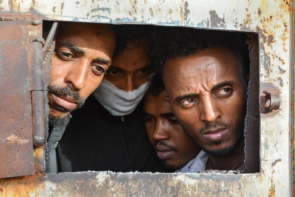 Medici Senza Frontiere, le foto dei rifugiati nei campi di detenzione in Libia