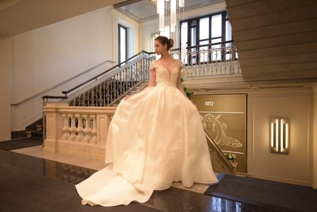 Alessandra Rinaudo, abiti da sogno per spose romantiche con un tocco glamour