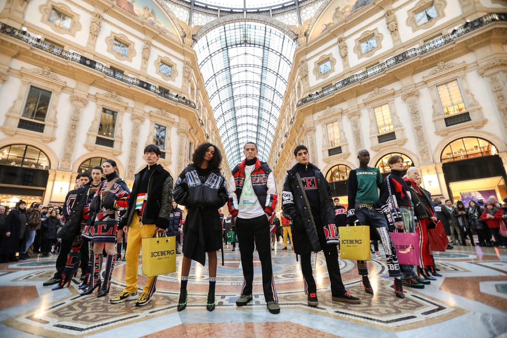 Uno street fashion show che porta la moda sulle strade di Milano
