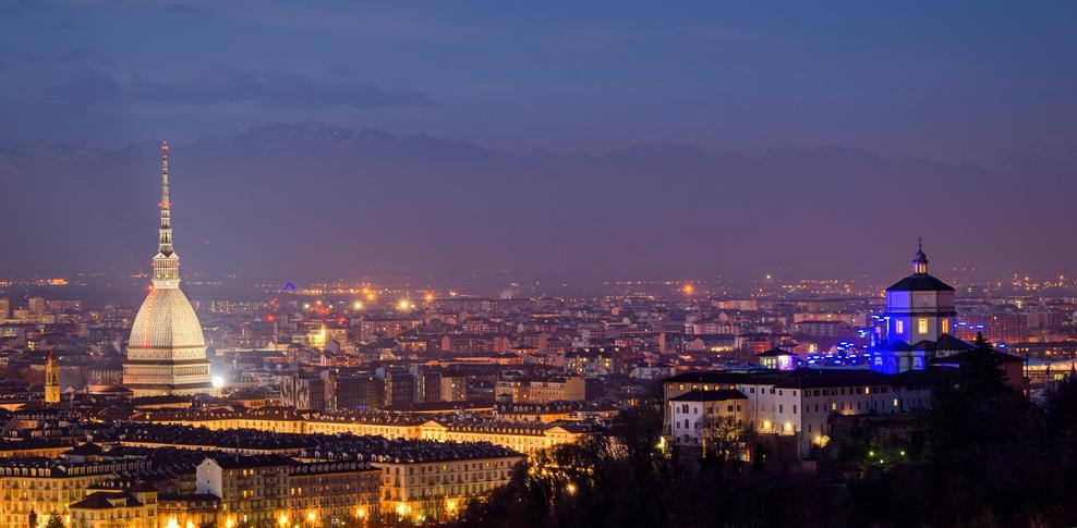 Sotto la Mole Torino mette il mondo a tavola