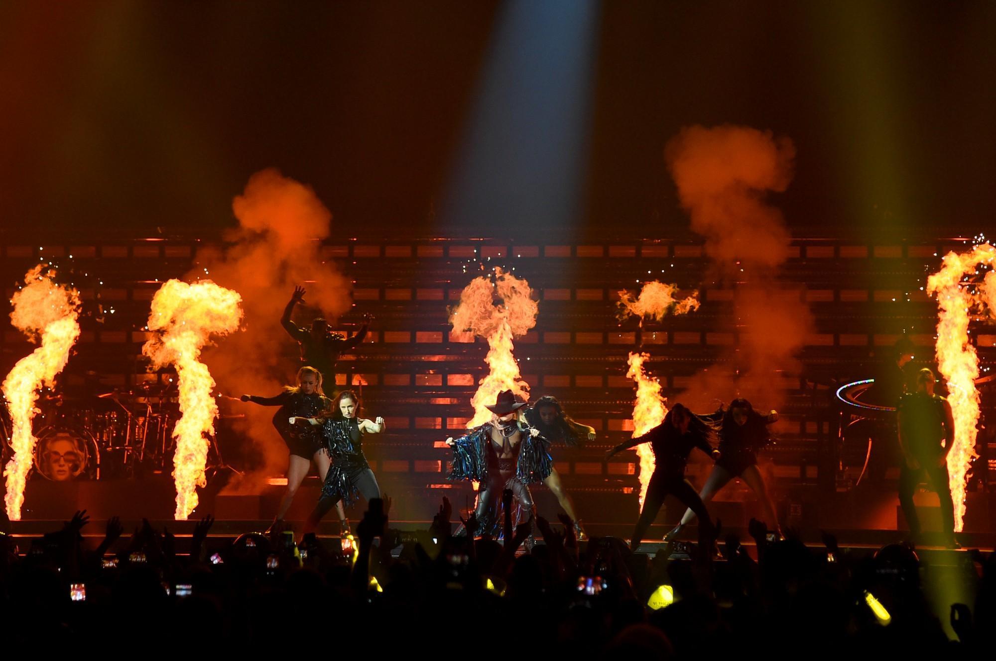 Lady Gaga conquista Milano con il suo  Joanne Tour