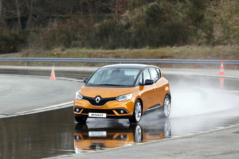 Renault Scenic, 20 anni di successi