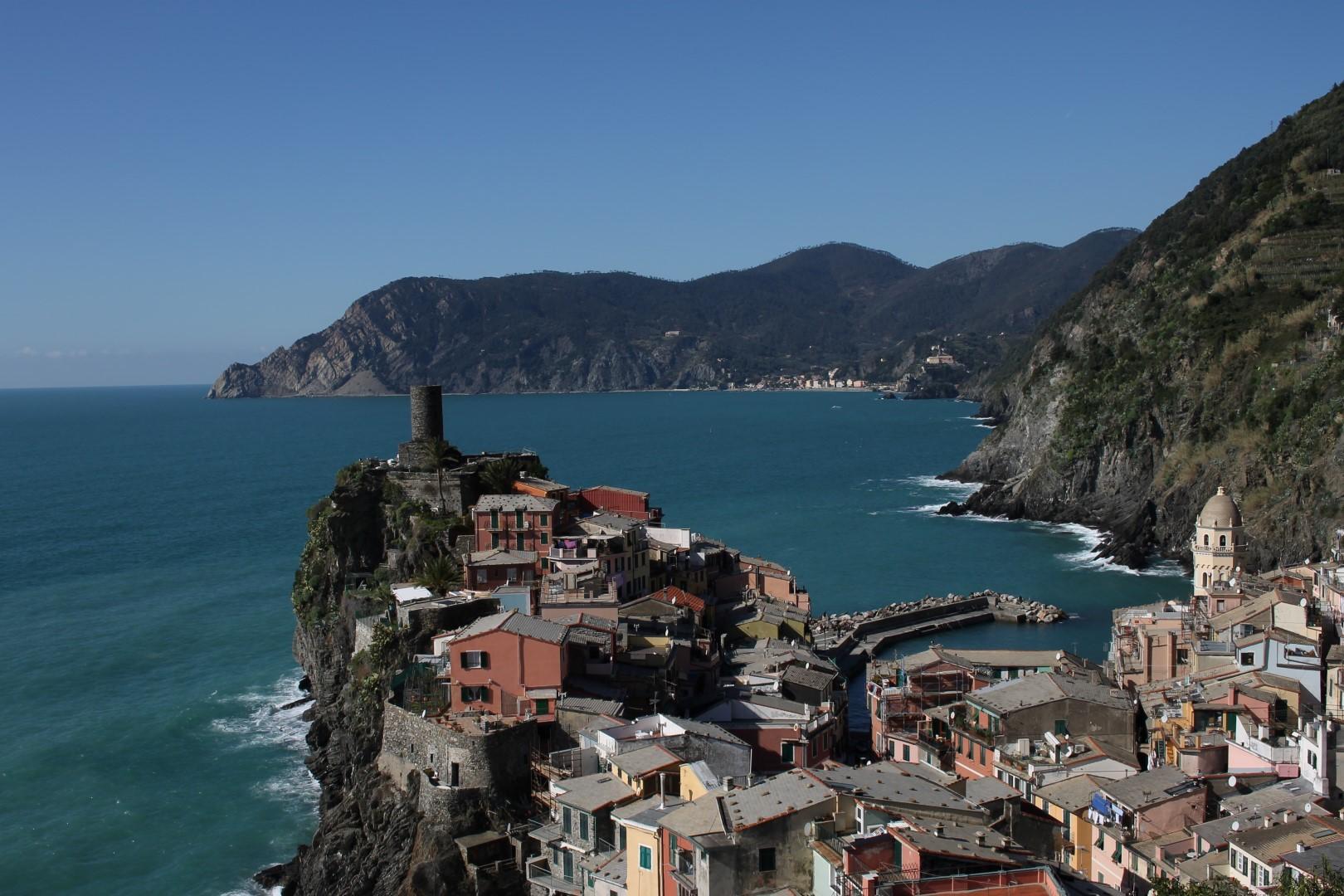 Liguria: scoprire le Cinque Terre con Eugenio Montale