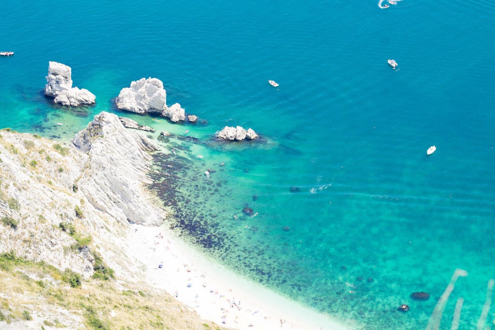 2019, le spiagge più belle d Italia, dal mare ai laghi