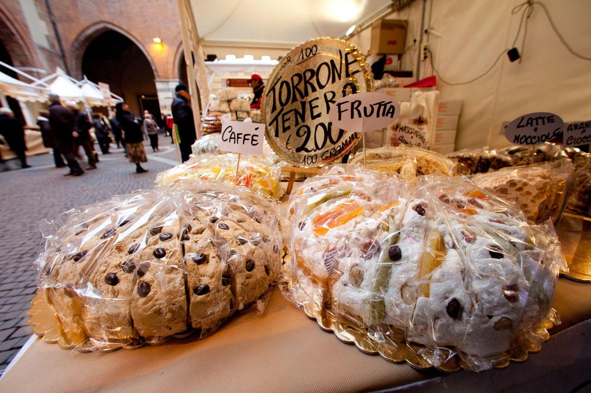 Cremona in dolcezza per la Festa del Torrone