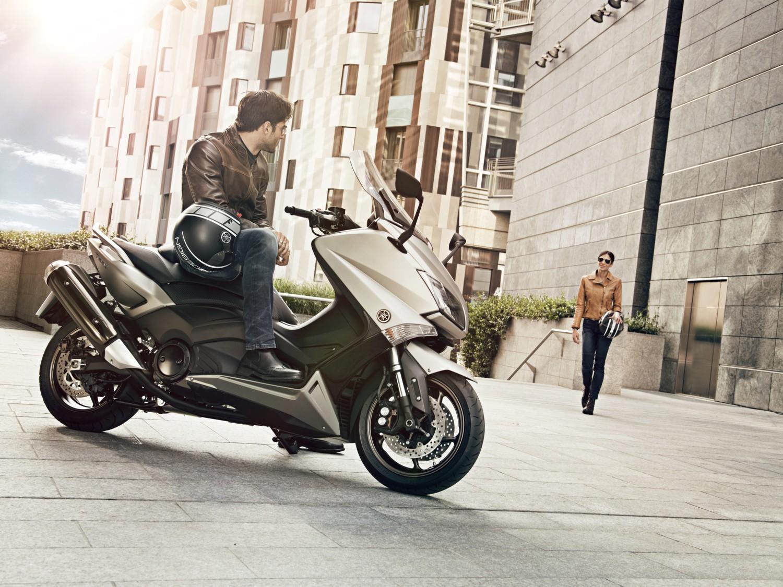 Yamaha nuovi X-MAX 300 e TMAX