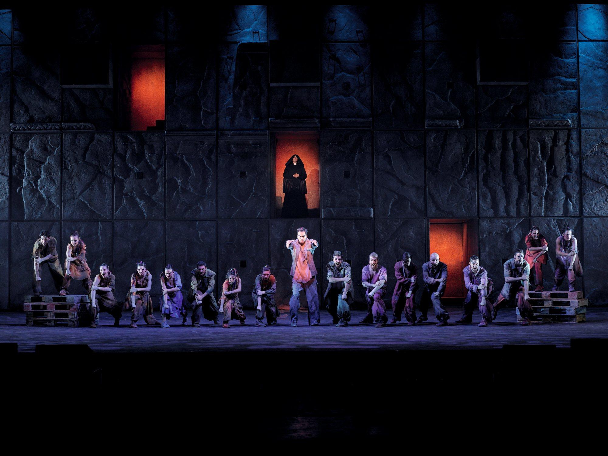 Torna nei teatri  Notre Dame de Paris , il musical kolossal di Riccardo Cocciante