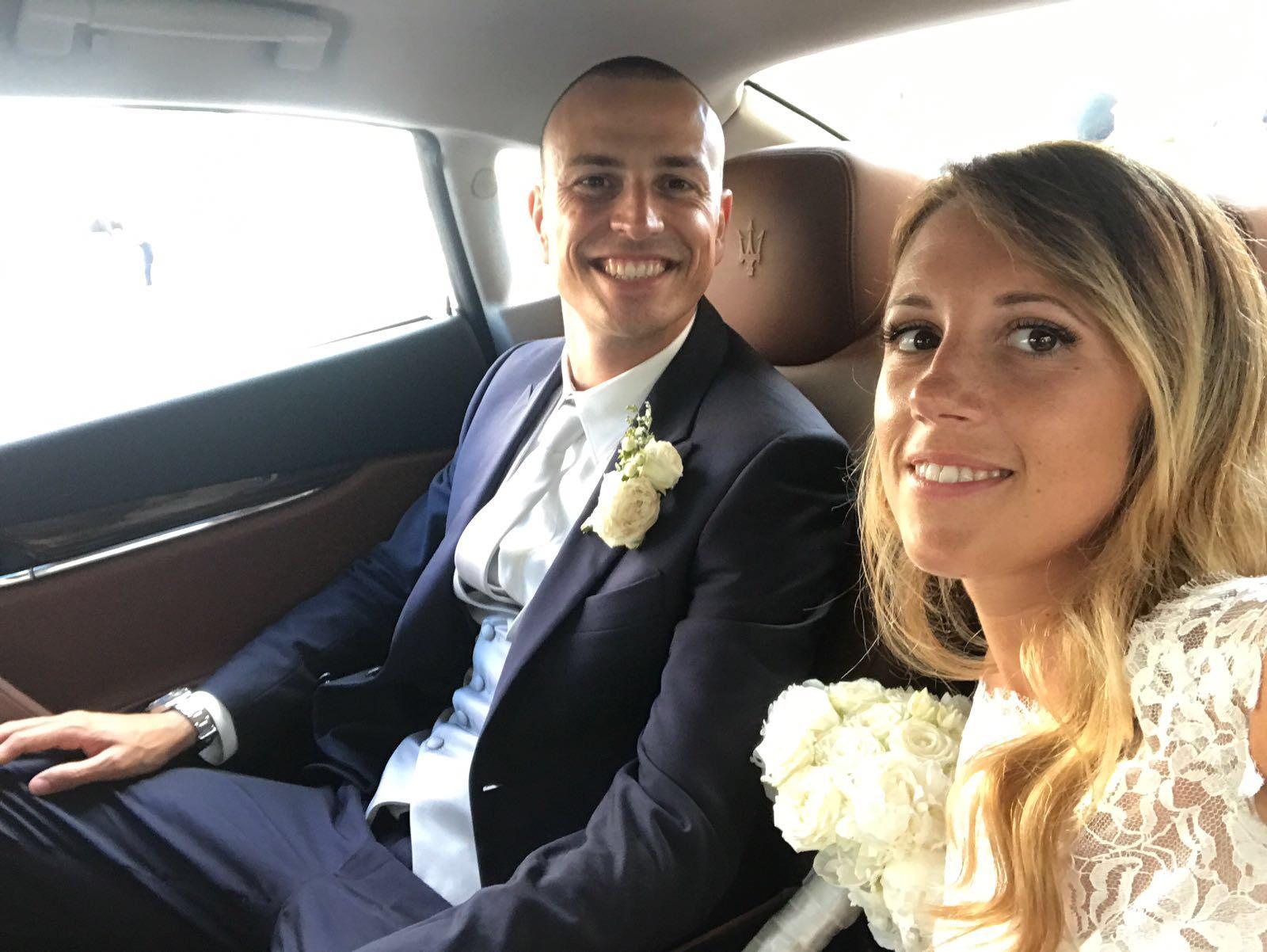 Matrimonio In Spiaggia Forte Dei Marmi : Calciatori a nozze antonelli dice sì sulla spiaggia di forte dei