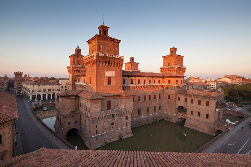 Ferrara: un viaggio tra incantesimi e magia