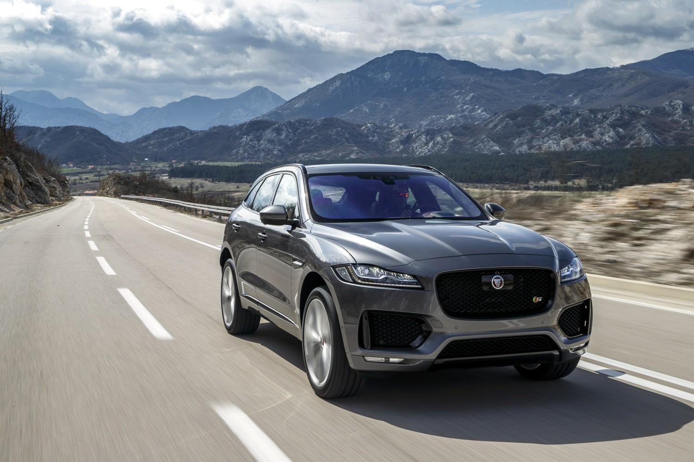 F-Pace, Jaguar cambia pelle