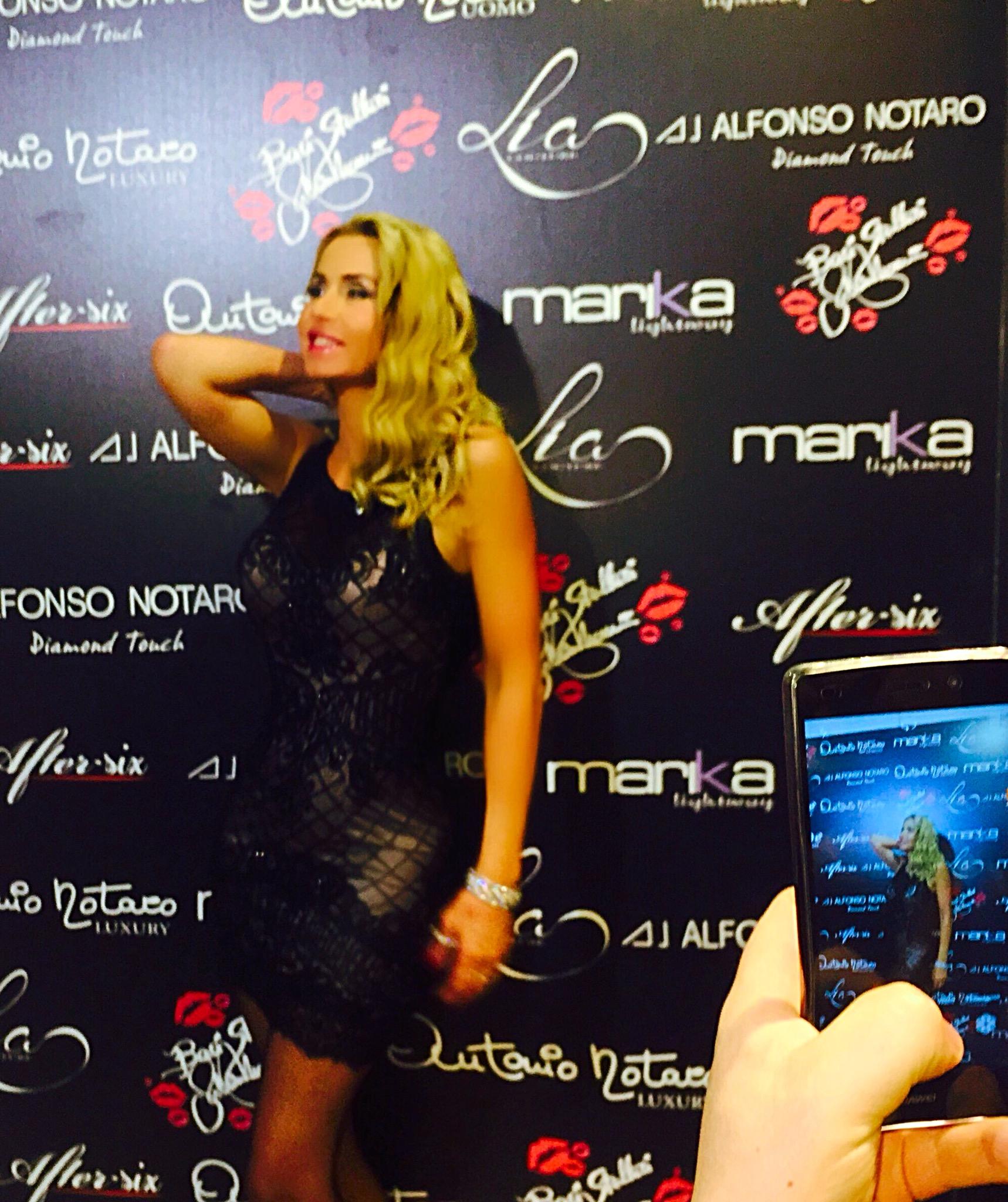 Valeria Marini presenta  Baci Stellari Valeria Marini Couture
